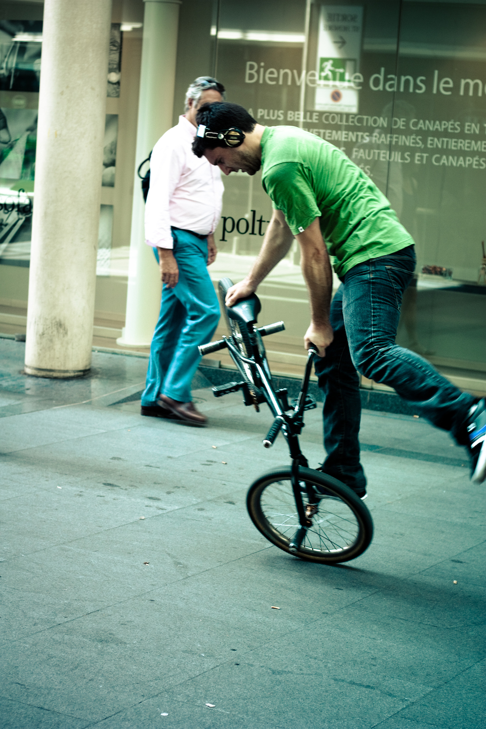 The Headphones Project : Bicycle Race