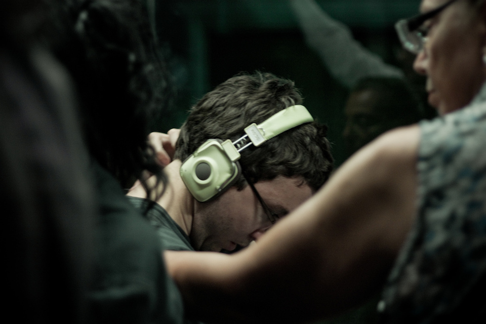 The Headphones Project : Stuck In The Middle