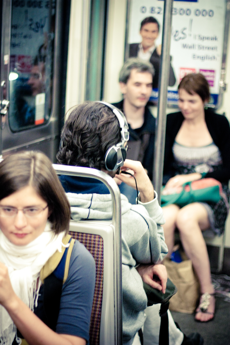 The Headphones Project : Travelling Without Moving